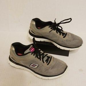 Skechers Skech-Knit women's shoes size 9
